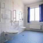 Co powinna posiadać toaleta dla niepełnosprawnych?